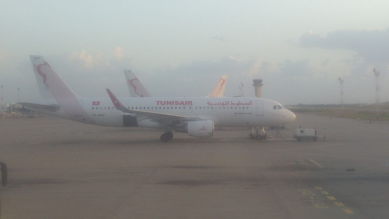 review of nouvel air tunisie flight from tunis to nice in economy. Black Bedroom Furniture Sets. Home Design Ideas